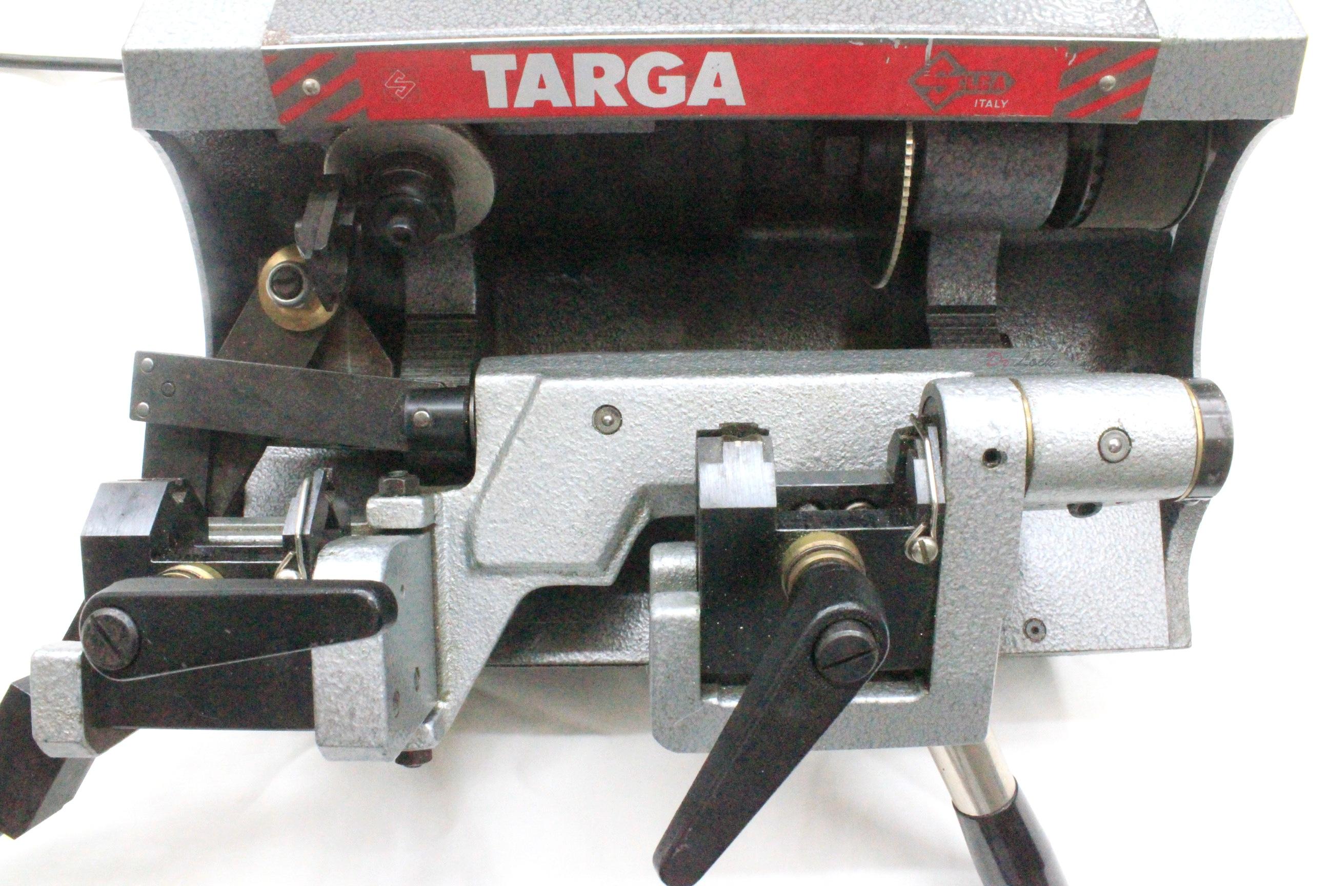 duplicate key cutter machine locksmith